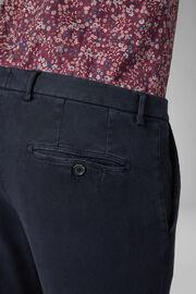 Pantalon En Coton Tencel Structuré Coupe Ajustée, bleu marine, hi-res