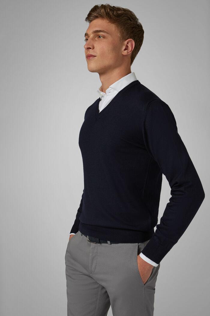 Pullover Mit V-Ausschnitt Aus Merinowolle Extrafein, , hi-res