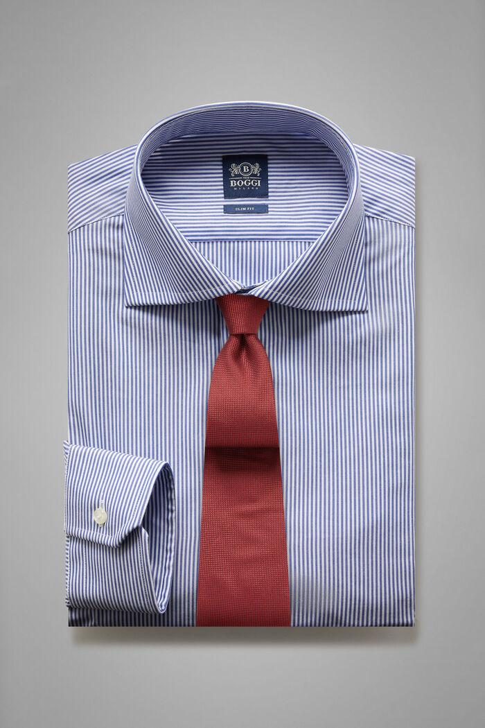 Hemd Mit Blauen Streifen Und Windsor-Kragen Slim Fit, , hi-res