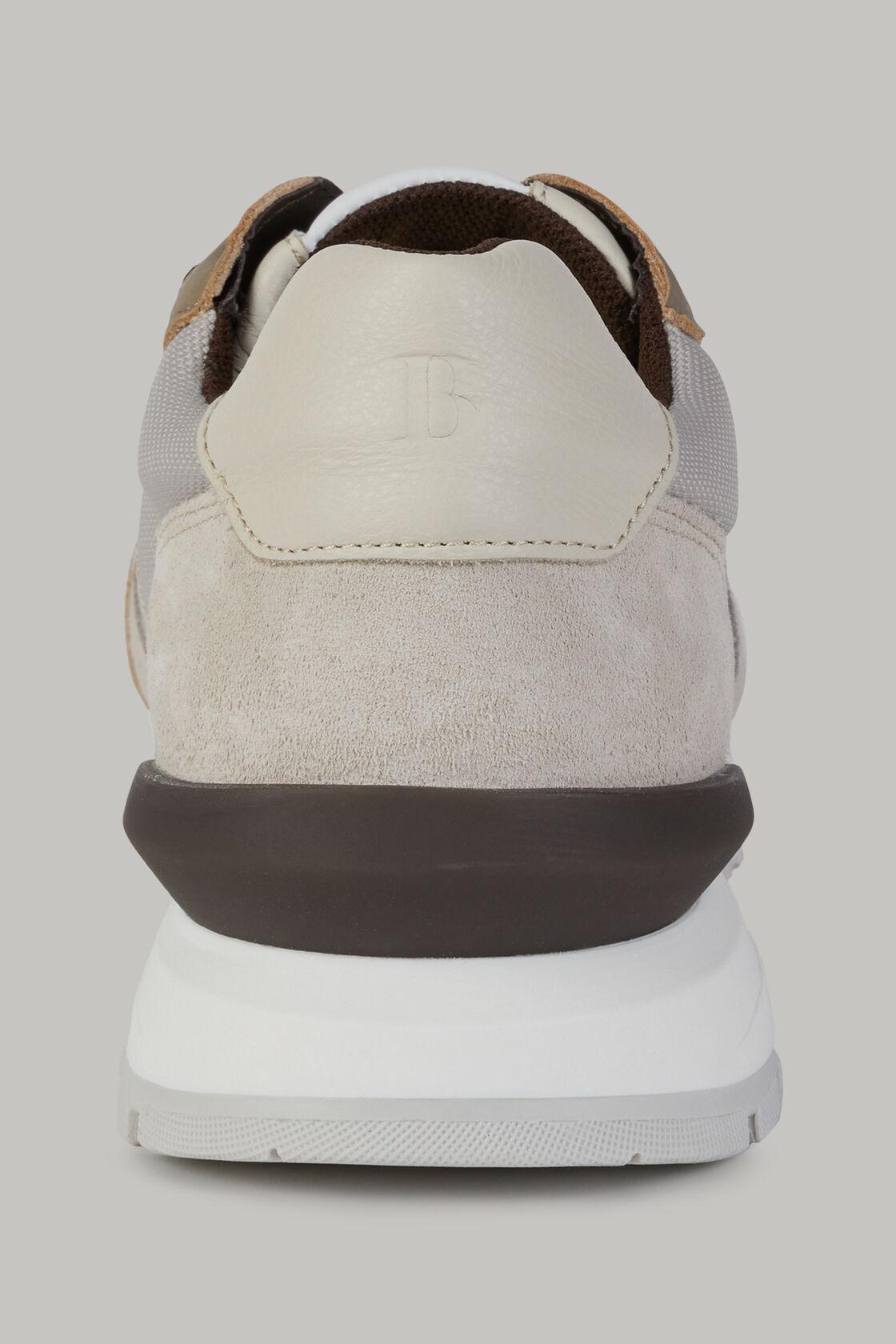 Naturweisse sneakers aus technischem stoff und leder, , hi-res
