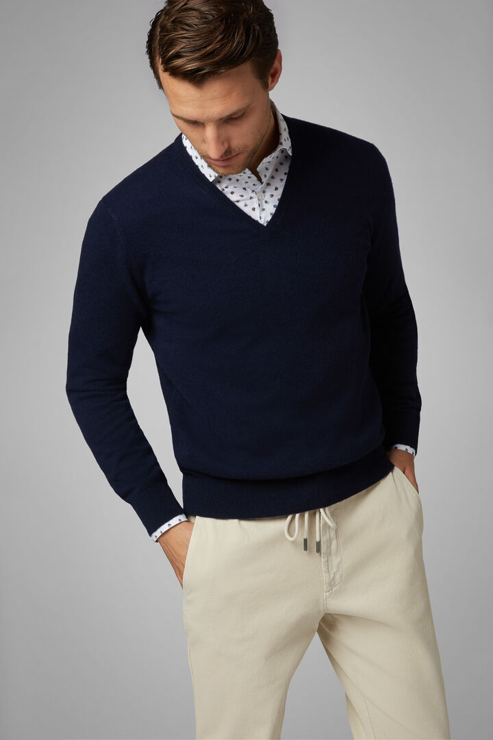 Pure Cashmere V-Neck Jumper, Navy blue, hi-res